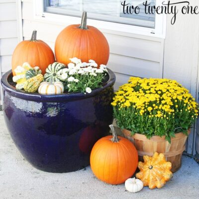Decorating for Fall {Porch Decorating}
