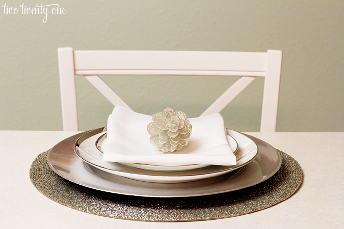 Simple Holiday Table Setting - Two Twenty One