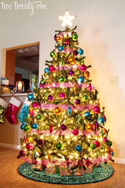 ok - How To Decorate A Big Christmas Tree