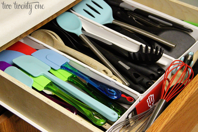 organizing the kitchen utensil drawer two twenty one. Black Bedroom Furniture Sets. Home Design Ideas