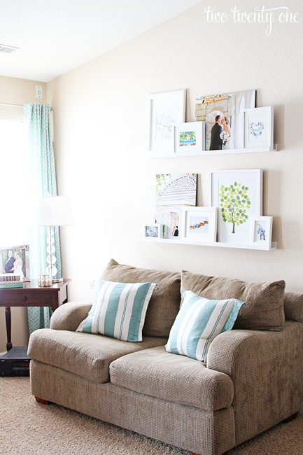 living room picture ledges