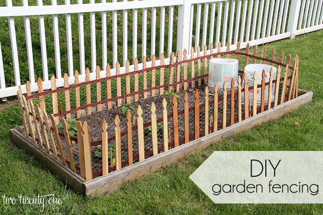 Wonderful DIY Garden Fence