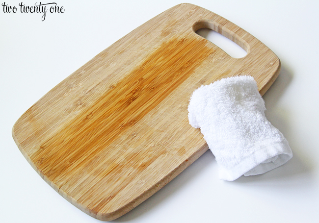 how to oil cutting boards