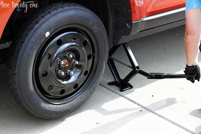 how to change spare tire