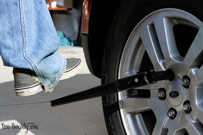 how to remove lug nuts
