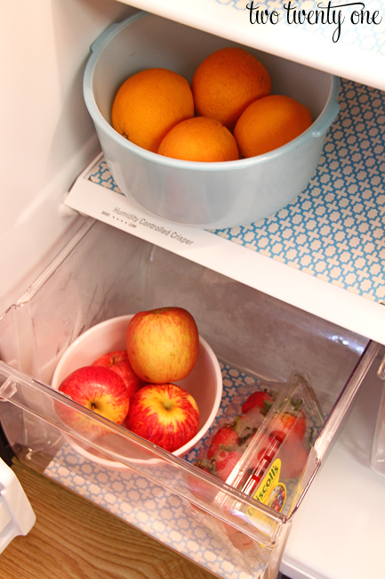 organized fridge fruit drawer