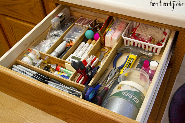 10 Organized Kitchen Cabinets And Drawers
