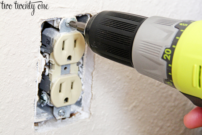 how to remove electrical outlet