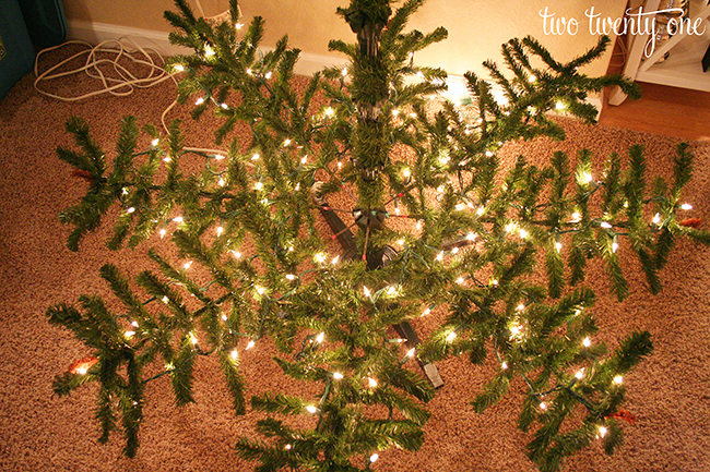 how to put lights on a christmas tree genius
