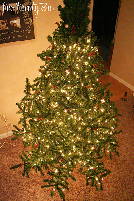 How to put lights on a Christmas tree! Genius! - How To Put Lights On A Christmas Tree - Two Twenty One