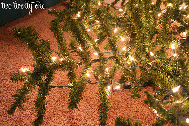 Do You String Christmas Tree Lights Top Bottom : How to Put Lights on a Christmas Tree - Two Twenty One