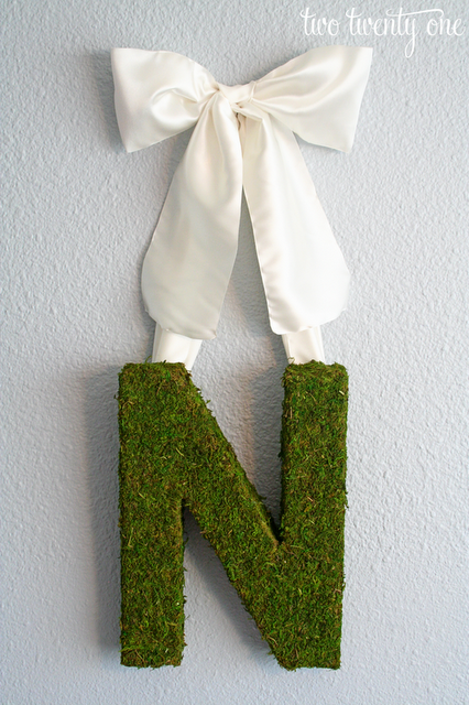 spring+moss+monogram+wreath