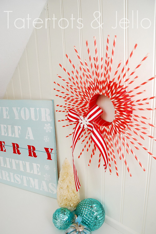 striped paper straw wreath by Tatertots and Jello