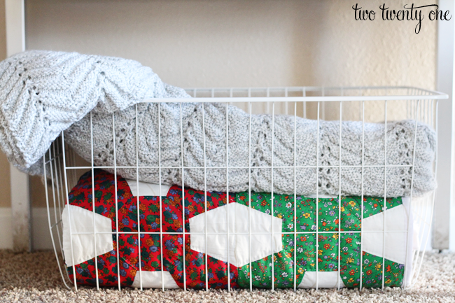basket-of-blankets