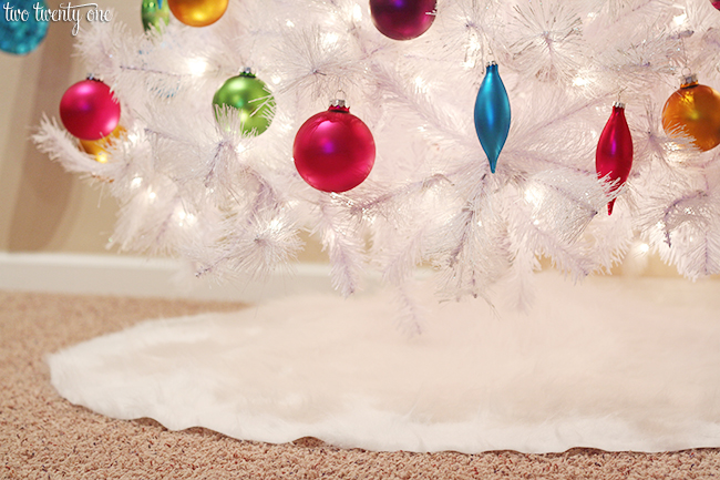 fur tree skirt