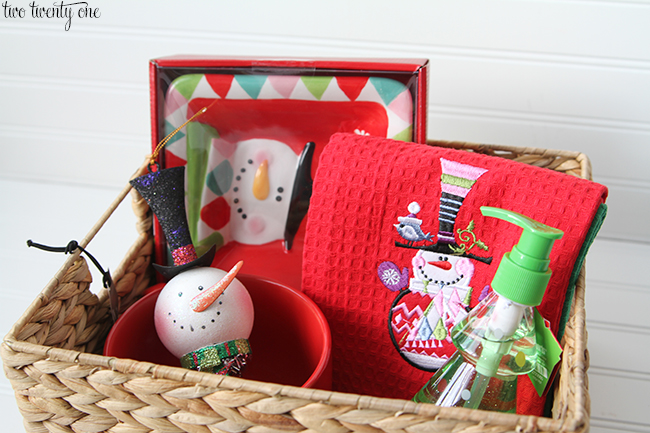 Easy Holiday Gift Baskets Pier 1 Imports Giveaway