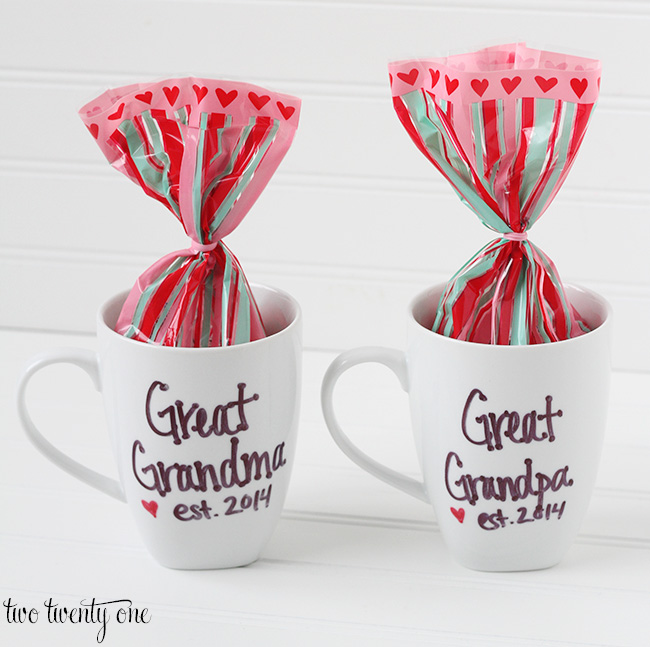 pregnancy annnouncement mugs