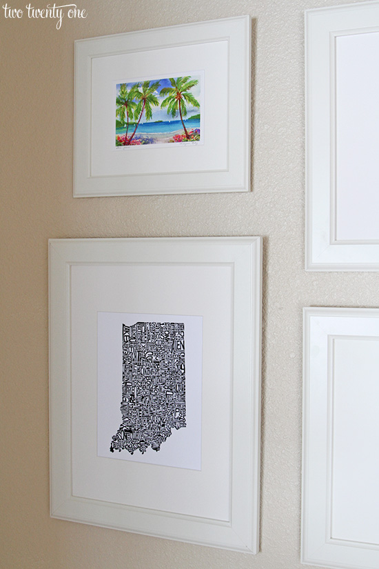 Foyer Entry Art : Entryway photo and art display
