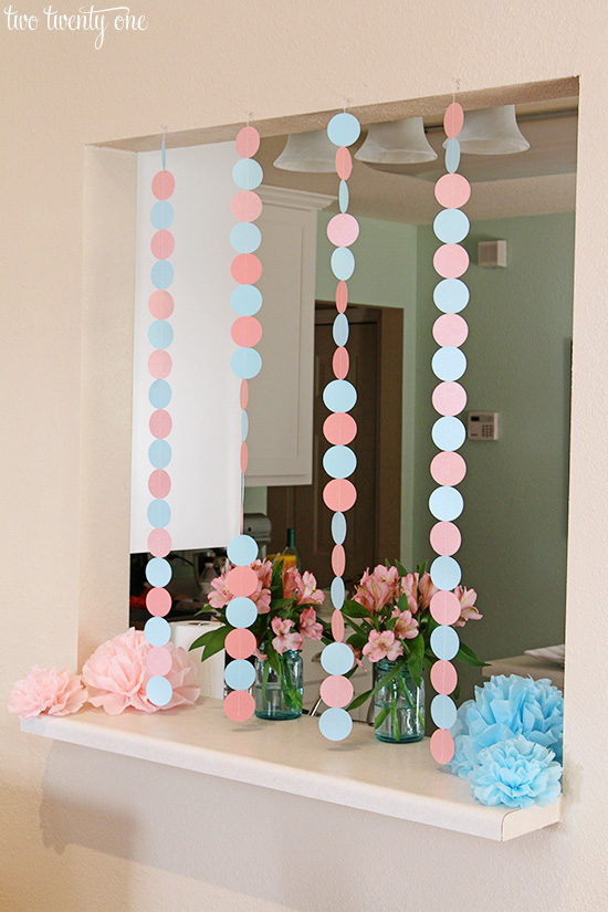 blue and pink paper garland