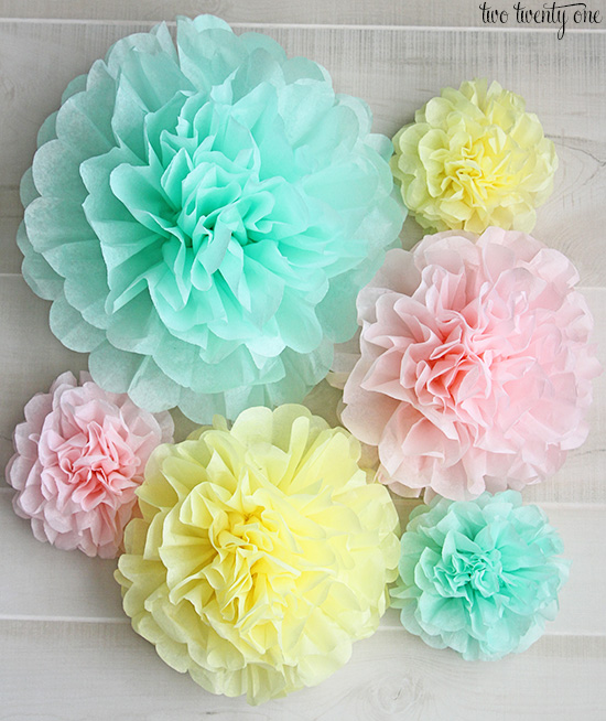 Paper flower pom pom yelomdiffusion how to make tissue paper pom poms mightylinksfo