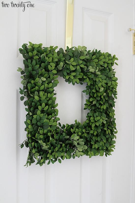 balsam hill boxwood wreath