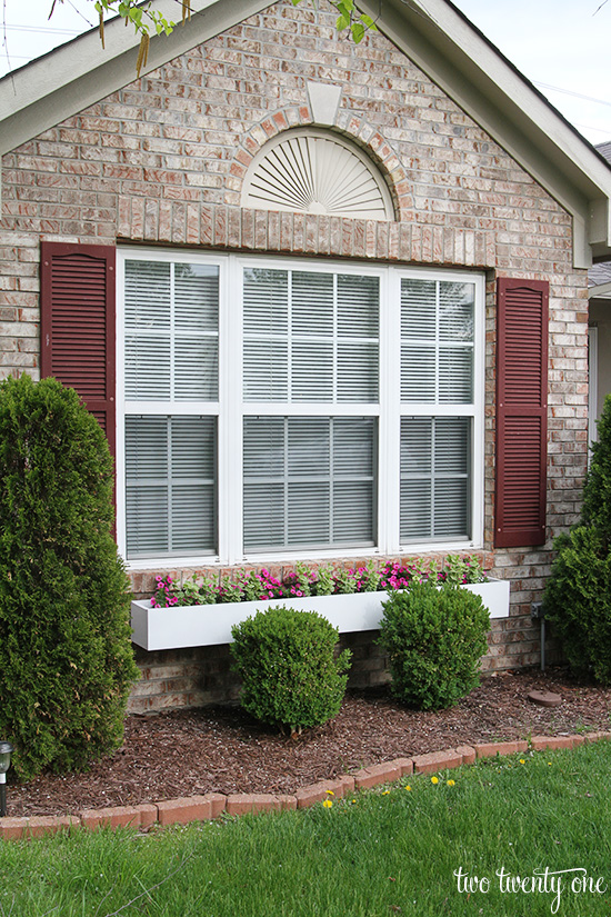 How to make a window box - Easy ways of adding color to your home without overspending ...