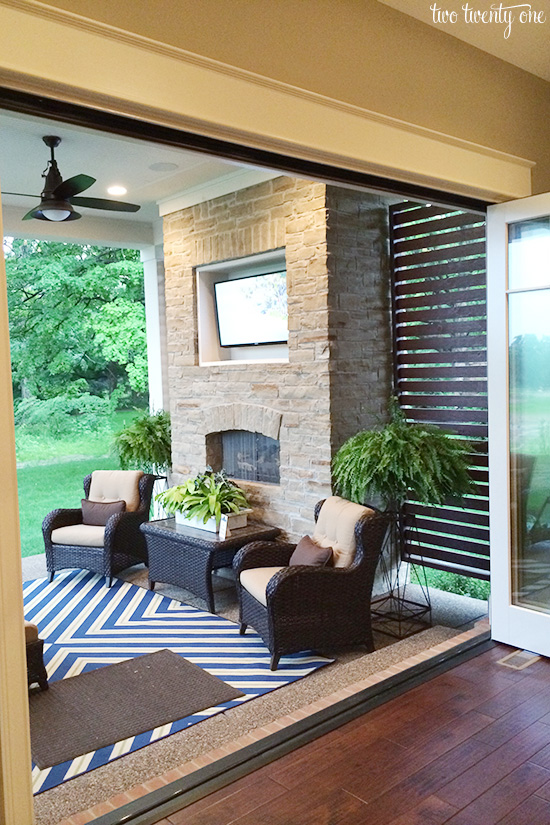 house 5 patio
