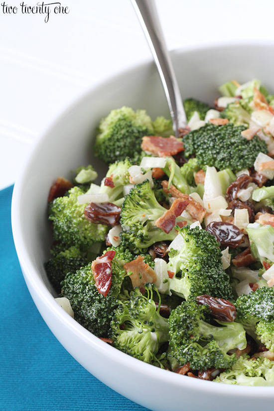 Quick and easy broccoli salad recipe!