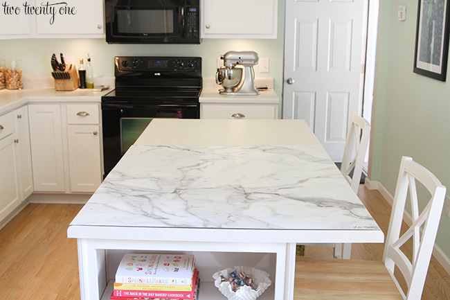 bathroom marble a formica hexagon by friendly chelsea backsplash countertop kylie inspired budget m vanity ensuite gray countertops interiors too calacatta laminate