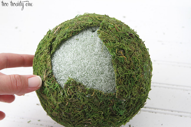 How To Make Moss Covered Balls Impressive Decorating With Moss Balls