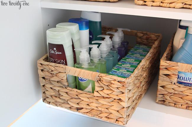 bathroom storage organization