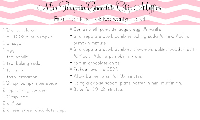 mini pumpkin chocolate chip muffins copy