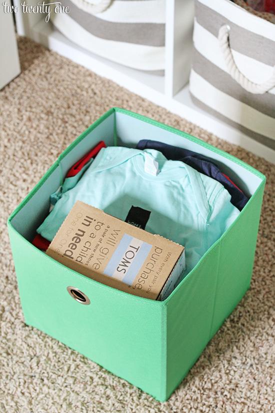 Organized nursery closet! LOVE this!