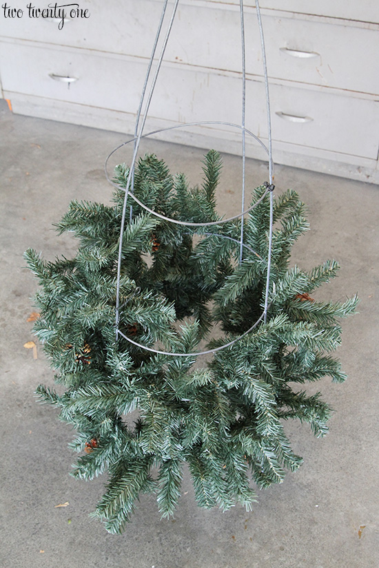 How to make tomato cage Christmas trees! Plus, how to make three different sizes!