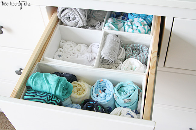 GREAT nursery dresser organization tips and tricks!