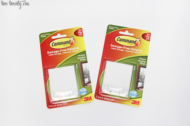 command brand picture hanging strips