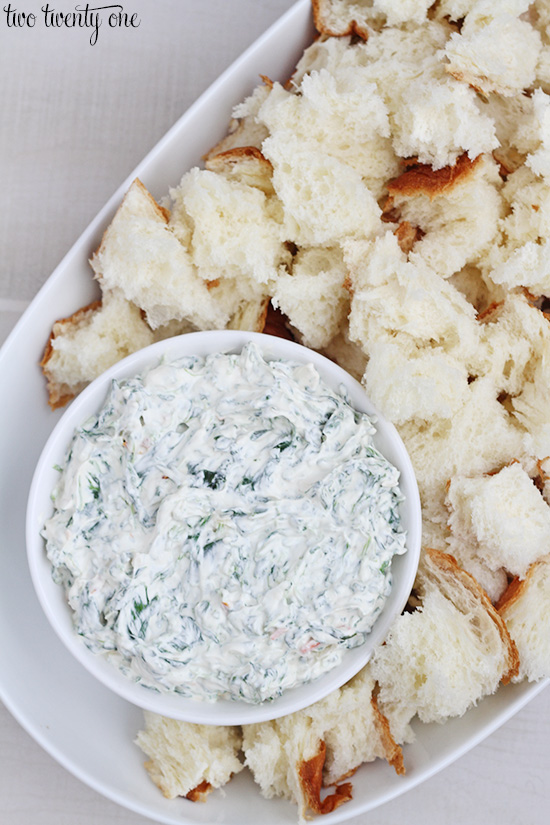 Quick and easy spinach dip recipe! Only 5 ingredients!