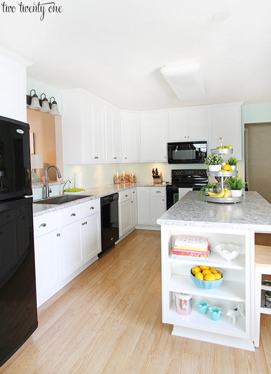 Fabulous white kitchen black appliances