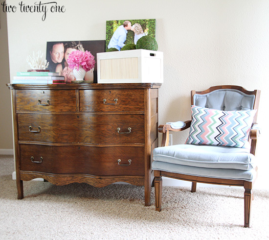 Elegant Living Room Dresser 4