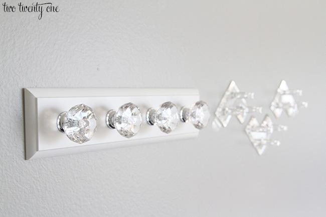 command brand jewelry hangers