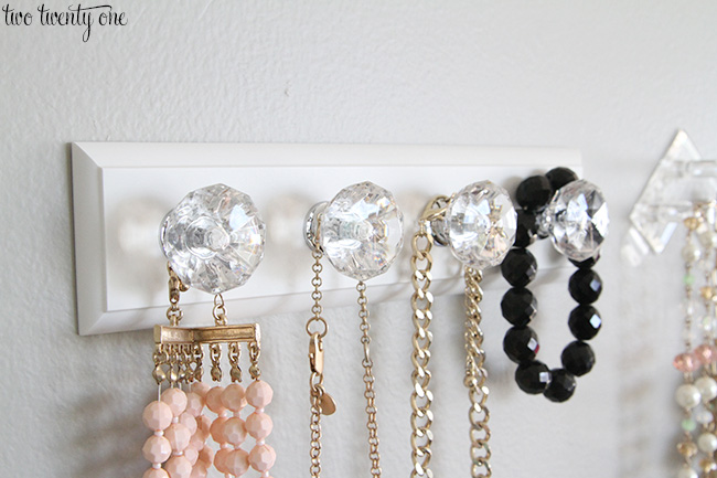 organized jewlery for renter