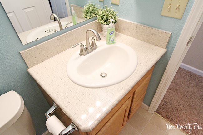 Bathroom countertop laminate