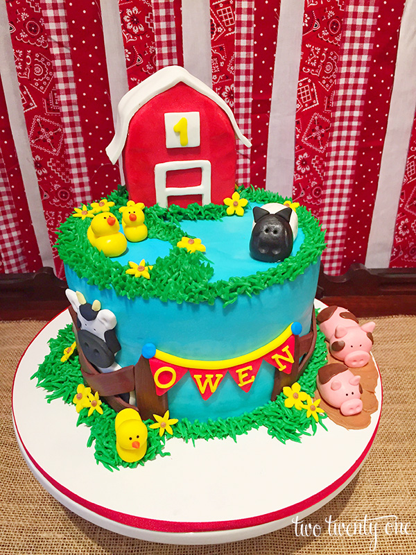 barnyard birthday cake 1