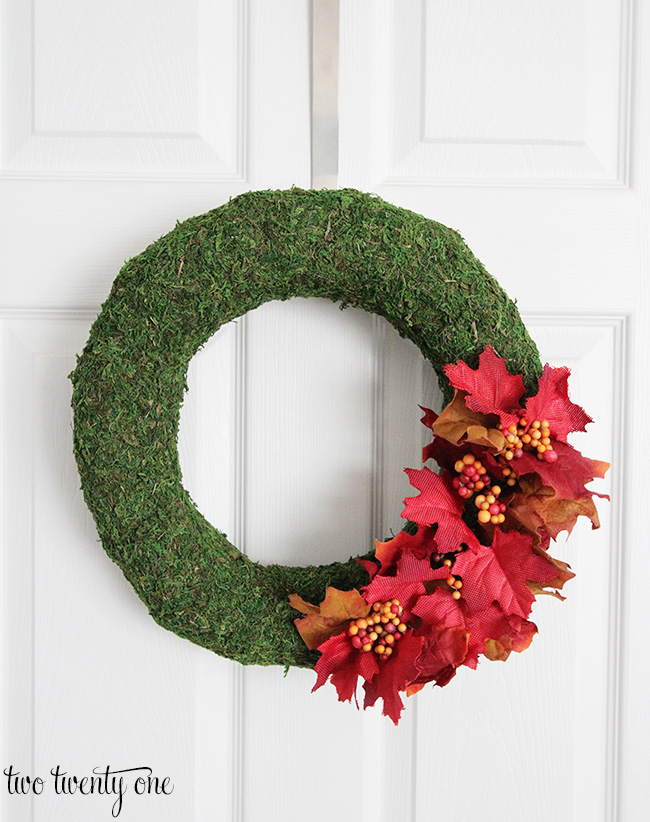 fall-moss-wreath
