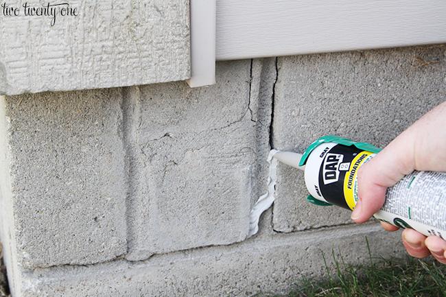 seal foundation cracks