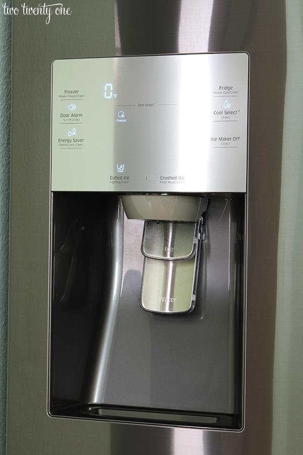 Samsung Flex fridge ice and water dispenser