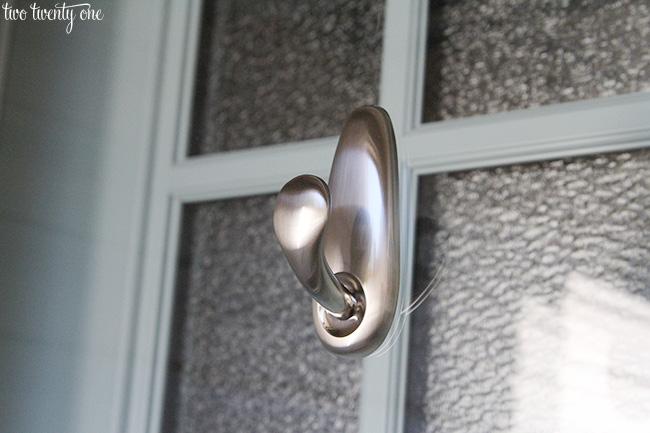 command outdoor door hook