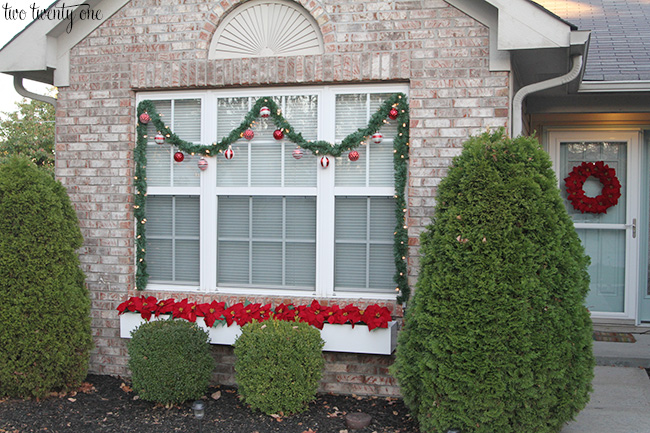 red and white outdoor christmas decorations - Outside Christmas Decorations