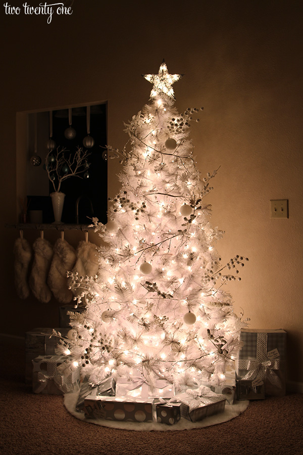 white christmas tree with white and silver decorations - Christmas Tree White
