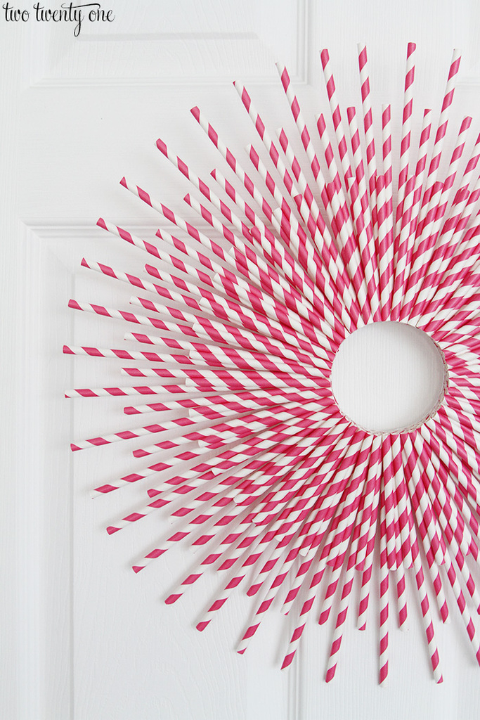 V Day Paper Straw Wreath